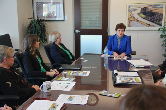 USDA Deputy Secretary Harden talks with WLL state team